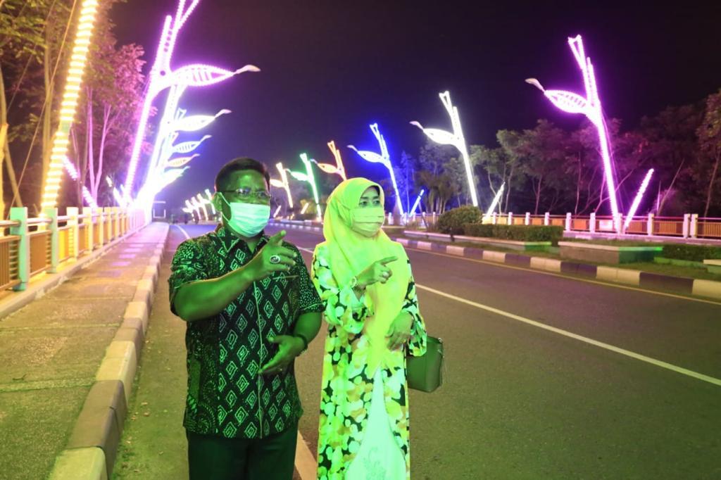 Aminullah Tinjau Lampu Hias Kota Banda Aceh